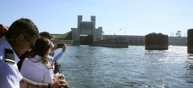 Legislators, aides join industry stakeholders for Ice Harbor Dam tour